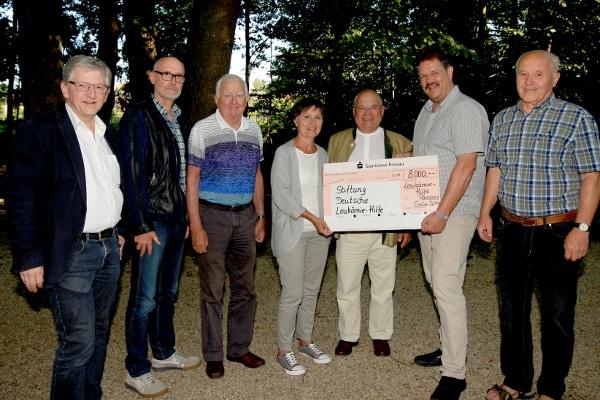 Spendencheck Übergabe Leukämie Hilfe Passau e.V. – Gala 2014